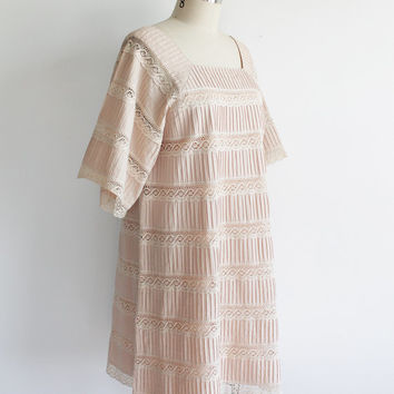 Vintage 70s Blush & Cream Lace Bohemian Swing Dress | large