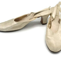 Antique Victorian 1800's Ivory Silk Heeled Pumps Wedding Shoes