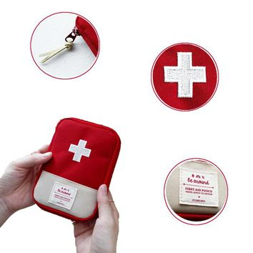 Outdoor First Aid Survival Bag Medical Bag Medicine Drug Pill Box Home Car Survival Kit Storage Case Small 600D Oxford Pouch