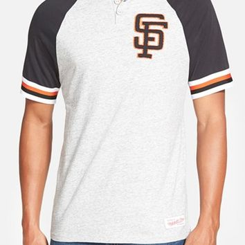 Men's Mitchell & Ness 'San Francisco Giants - Visiting' Raglan Henley,