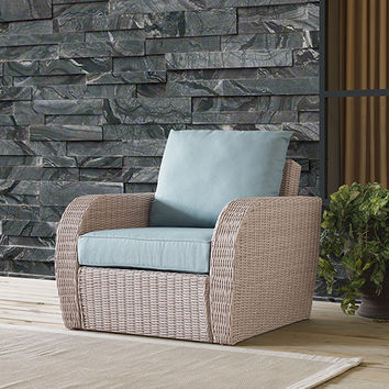 Crosley Furniture St Augustine Outdoor Wicker Arm Chair In Weathered White With