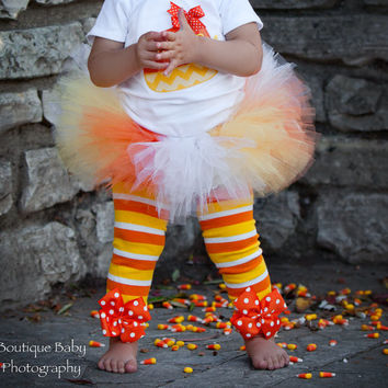Candy Corn Leg Warmers for baby girls and newborns -- Bow Leg Warmers -- Halloween -- orange, yellow, white striped and polka dot
