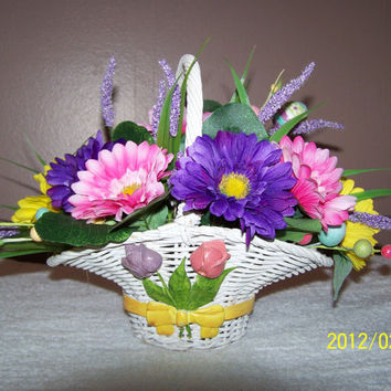 Spring Floral Wicker Basket Arrangement Holiday Easter Decorations Centerpieces
