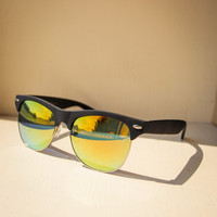 Mirrored Sunglasses in Black and Yellow