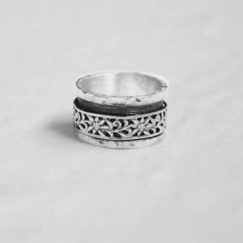 Sterling Silver Hammered Spinner Ring