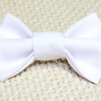 Small White Dog Hair Bow. Perfect for Small Pup. White Cotton Bow Tie Style Hair Tie with Elastic. Toy or Teacup Dog - Yorkie Poodle Maltese