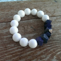 White & navy blue beaded bracelet/stretch bracelet/blue agate/shell beads