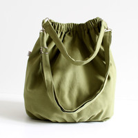 Nagy in Olive Green  extra large / messenger Bag / by bayanhippo