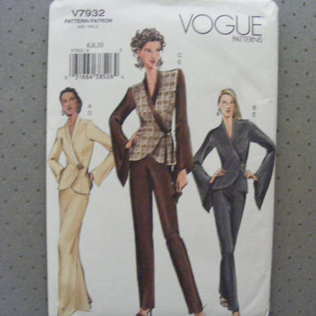 Vogue sewing pattern 7932 for misses' size 6-10 top, skirt and pants.