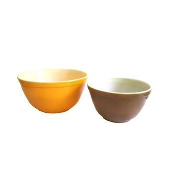Orange Brown Pyrex Mixing Bowl Set