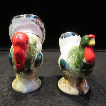 Tom and Hen Turkeys Salt and Pepper Shakers (1716)