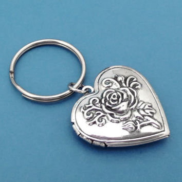 Locket, Keychain, Heart, Keyring, Key, Chain, Rose, Key, Ring, Locket, Jewelry, Gift, Simple, Minimal
