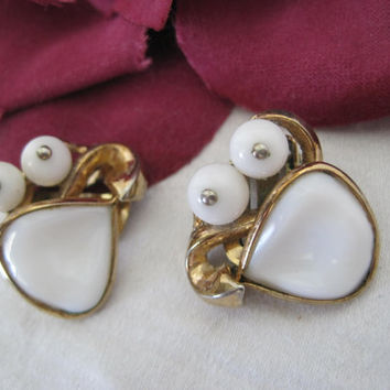 Crown Trifari Earrings Molded White Glass Pat. Pend.