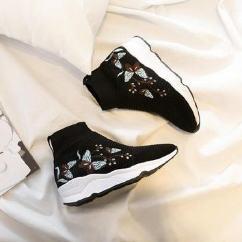 2018 autumn and winter fashion embroidered shoes increased within the high shoes sneakers flat high boots snow boots slip