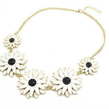 Fashion Chrysanthemum Bib Necklace at Online Jewelry Store Gofavor