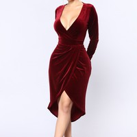 Mathilda Velvet Dress - Burgundy
