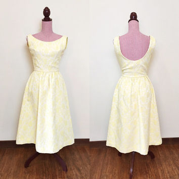 1950s Dress / VINTAGE / 50s Sun Dress / Yellow / Tapestry / Pastel / Scoop Back / LOVELY