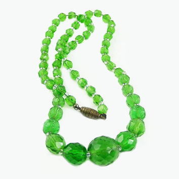 Vintage Crystal Bead Necklace - Green