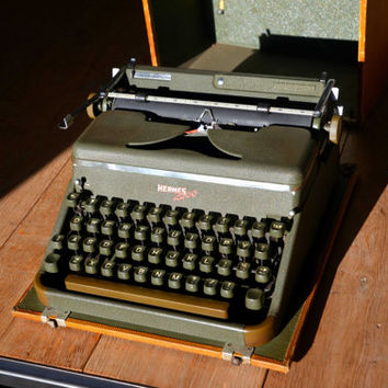 Christmas SALE! - Hermes 2000 - Swiss Typewriter - Fully Serviced