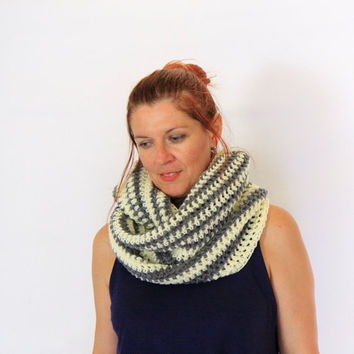 Infinity scarf striped eternity scarf circle cowl in ivory and grey, Calypso Stripes, winter fashion vegan friendly, ready to ship