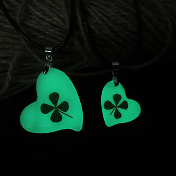 clover glowing couple necklace,His and Her Promise Necklaces, glow Necklace Pendant, Matching couple necklace