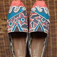 Beach wave hand painted TOMS