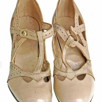 Vintage  Beige T Straps Flapper Shoe 1920's Walk Over NIB 4.5N