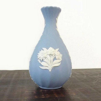 Wedgwood Blue Jasperware Bud Vase, Small Blue Jasper Ware with Embossed White Flowers, Made in England