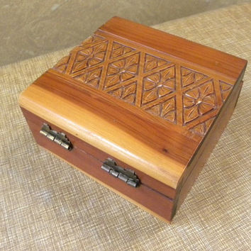 Vintage Carved Wooden Cedar Trinket Box -- Floral and Diamond pattern