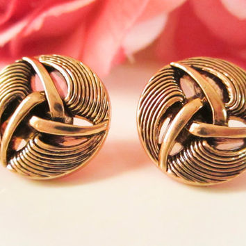 Vintage vortex line earrings, Bridesmaid earrings, Vintage Button Earrings, Vintage earrings, cutout, gold studs, spring jewelry