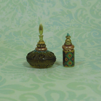Dollhouse Miniature Pair of Elegant Bottles - Set A