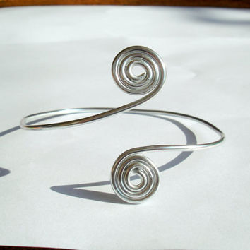 Silver bracelet. Aluminium wire bangle with spirals. Geometric woman bangle.