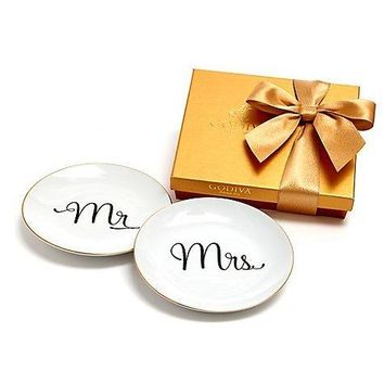 GODIVA MR & MRS DESSERT PLATES WITH ASSORTED CHOCOLATE GOLD GIFT BOX 19 PC. $59