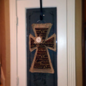 Medium burlap cross