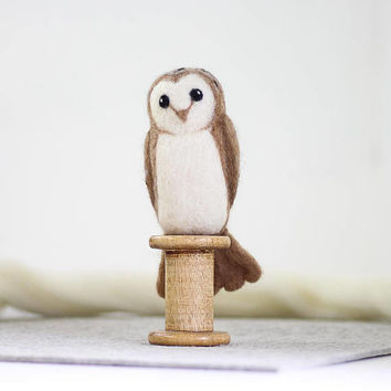 Barn Owl Needle Felting Kit - Needle Felted Bird - Barn Owl Craft Kit - craft kit gift - needle felted barn owl - craft kit for adults