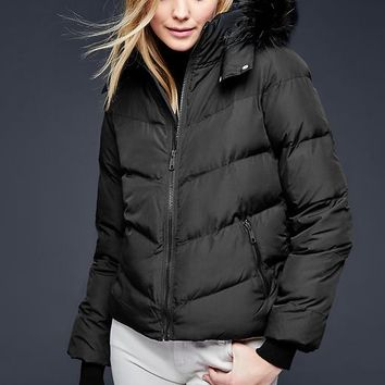 Gap Women Primaloft Faux Fur Trim Chevron Puffer Jacket