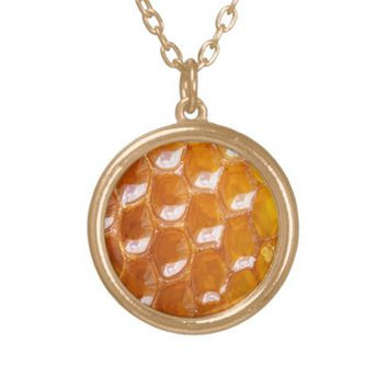 Sweet Detail of Golden Honeycomb Round Pendant Necklace