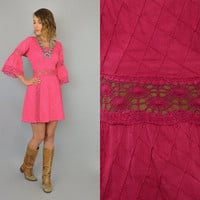 Vtg 50s MEXICAN Pintuck Cotton + Crochet bohemian hippy festival magenta MINI DRESS, medium-large