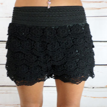 Floral Lace Shorts: Black