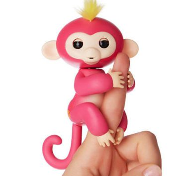 Fingerlings Monkeys Interactive Baby Monkey Bella Pink