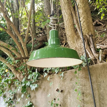 Vintage Green Porcelain Light Fixture Industrial Farmhouse Enamelware Pendant Chandelier Lamp