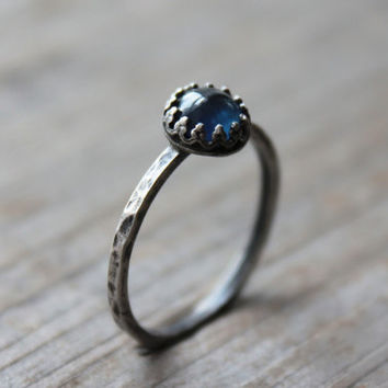sailors wife. ring. (dark blue sapphire. gemstone. oxidized sterling silver. hammered band. jewelry. made to order. september birthstone)