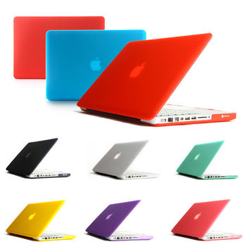 Macbook Hard-Case Shell with a Silicone Keyboard Cover
