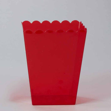 Plastic Large Scalloped Container, 7-3/4-Inch, Red