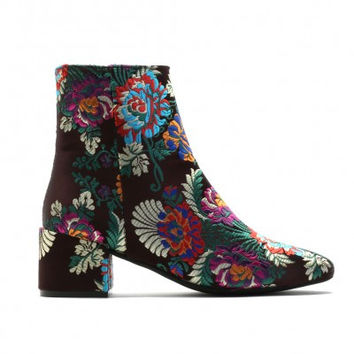 HANA EMBROIDERED ANKLE BOOTS IN PINK CHERRY BLOSSOM