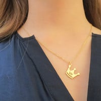 initial necklace gold initial neclace Crown pendant Bat mitzvah gift sweet 16 gift initial necklace Personalized Necklace graduation gift