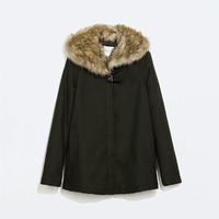 Parka with fur collar