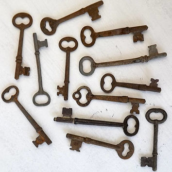 12 Antique Skeleton Keys, Vintage Rusty Metal Key Lot Destash, Industrial Steampunk Jewelry Making Charm Pendants, Altered Art Craft Supply