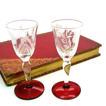 Crystal Stemware. Etched, Floral Crystal. Ruby Footed Glasses. Cordials, Liqueurs, Apéritifs. Set of 2. Vintage 1950s Mid Century Glassware.