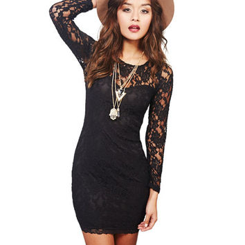 KEYHOLE LACE BODYCON DRESS
